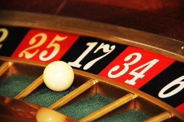 https://www.ragusanews.com//immagini_articoli/09-04-2020/padroneggiare-il-gioco-roulette-con-la-matematica-e-la-fisica-240.jpg