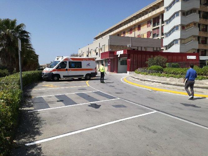 https://www.ragusanews.com//immagini_articoli/09-04-2020/poliziotto-40enne-di-noto-colpito-da-coronavirus-500.jpg