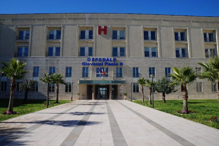 https://www.ragusanews.com//immagini_articoli/09-04-2020/positiva-al-coronavirus-muore-45enne-modicana-500.jpg