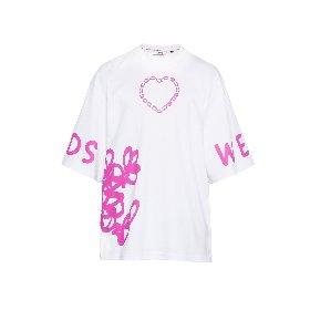https://www.ragusanews.com//immagini_articoli/09-04-2021/1617954703-la-t-shirt-e-piu-di-una-semplice-maglietta-3-280.jpg