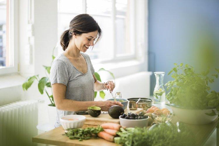 https://www.ragusanews.com//immagini_articoli/09-04-2021/dieta-idrica-come-funziona-500.jpg