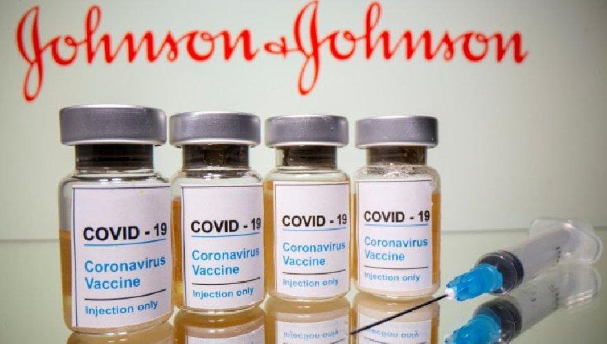 https://www.ragusanews.com//immagini_articoli/09-04-2021/vaccino-johnson-johnson-4-trombosi-si-va-a-revisione-500.jpg