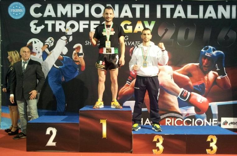 http://www.ragusanews.com//immagini_articoli/09-05-2016/kickboxing-riccione-2016-pacetto-brilla-ai-campionati-italiani-fikbms-500.jpg