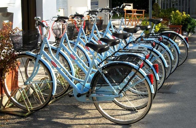 https://www.ragusanews.com//immagini_articoli/09-05-2017/ragusa-parte-servizio-sperimentale-noleggio-biciclette-500.jpg