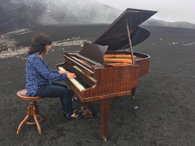 https://www.ragusanews.com//immagini_articoli/09-05-2018/anaktoron-concerto-clarinetto-pianoforte-etna-500.jpg