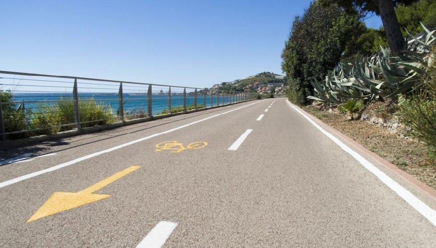 https://www.ragusanews.com//immagini_articoli/09-05-2019/on-ragusa-ciclovia-magna-grecia-da-pozzallo-a-caucana-500.jpg
