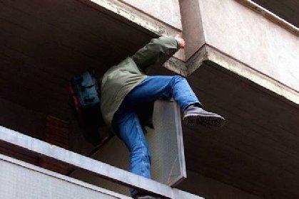 https://www.ragusanews.com//immagini_articoli/09-05-2021/vittoria-sventato-furto-in-abitazione-arrestati-280.jpg
