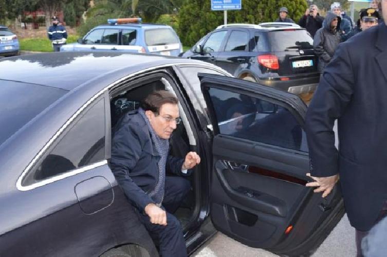 http://www.ragusanews.com//immagini_articoli/09-06-2015/crocetta-cerca-due-auto-blindate-in-affitto-500.jpg