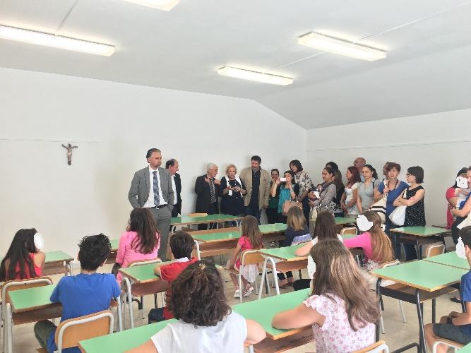 http://www.ragusanews.com//immagini_articoli/09-06-2016/modica-inaugurata-l-aula-ignazio-giurdanella-500.jpg