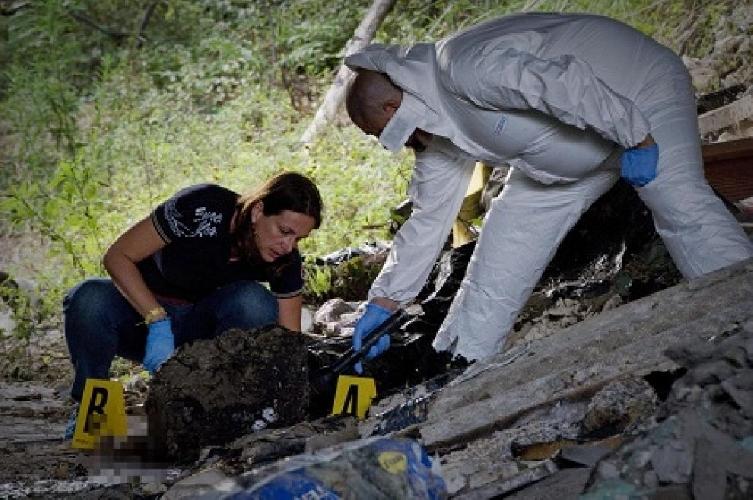 http://www.ragusanews.com//immagini_articoli/09-06-2017/cadavere-giovane-carbonizzato-rosolini-modica-500.jpg