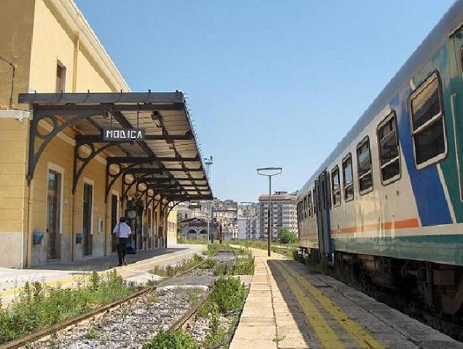 http://www.ragusanews.com//immagini_articoli/09-06-2017/manutenzioni-stop-treni-modicacaltanissetta-500.jpg