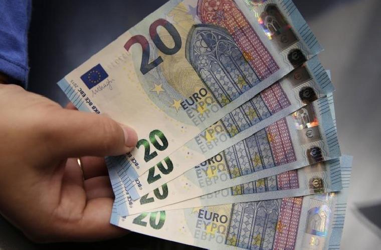 http://www.ragusanews.com//immagini_articoli/09-06-2017/pagamenti-cash-superiori-mila-euro-sanzioni-anche-ragusa-500.jpg