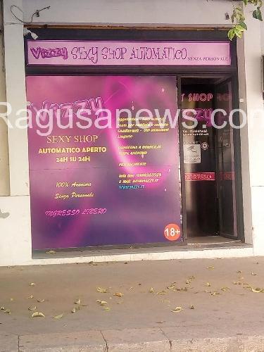 http://www.ragusanews.com//immagini_articoli/09-06-2017/ragusa-finire-sexyshop-500.jpg