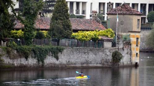 https://www.ragusanews.com//immagini_articoli/09-06-2021/1623246263-vendesi-isola-con-parco-e-torre-il-prezzo-un-affarone-foto-5-280.jpg