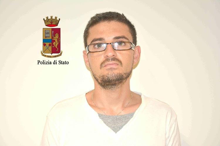http://www.ragusanews.com//immagini_articoli/09-07-2016/vittoria-arrestato-francesco-asonte-500.jpg