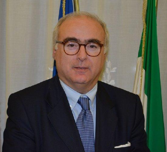 https://www.ragusanews.com//immagini_articoli/09-07-2018/ignazio-portelli-prefetto-frosinone-500.jpg