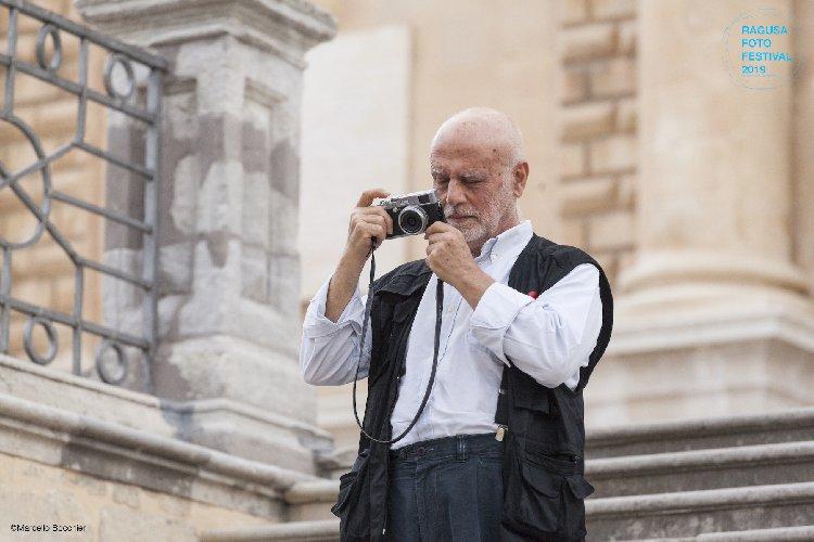 https://www.ragusanews.com//immagini_articoli/09-07-2019/ragusa-scianna-al-foto-festival-500.jpg