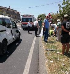 https://www.ragusanews.com//immagini_articoli/09-07-2020/incidente-muore-motociclista-30enne-sulla-noto-rosolini-240.jpg