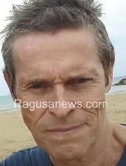 https://www.ragusanews.com//immagini_articoli/09-07-2020/willem-dafoe-star-a-taormina-240.jpg
