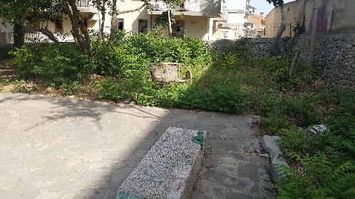 https://www.ragusanews.com//immagini_articoli/09-07-2021/1625828756-i-mancati-lavori-di-ripristino-al-parco-verde-di-via-risorgimento-a-modica-2-280.jpg