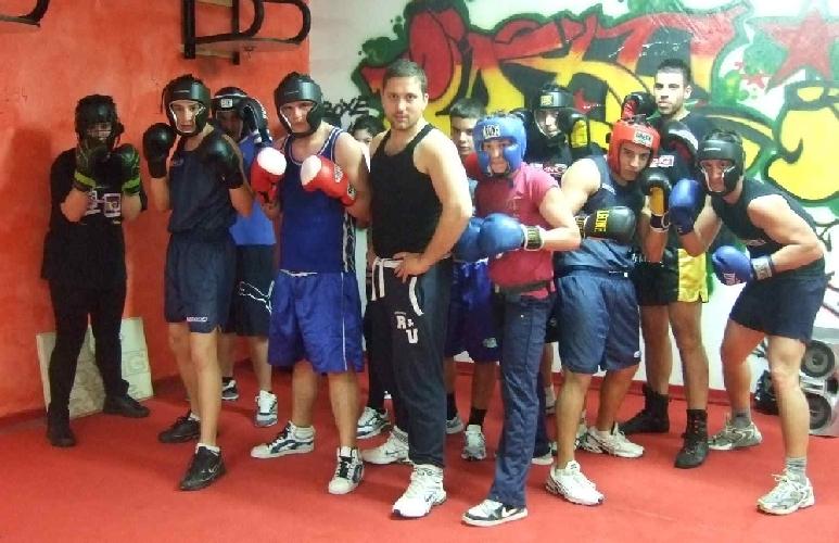 https://www.ragusanews.com//immagini_articoli/09-08-2011/la-boxe-estiva-a-pozzallo-500.jpg