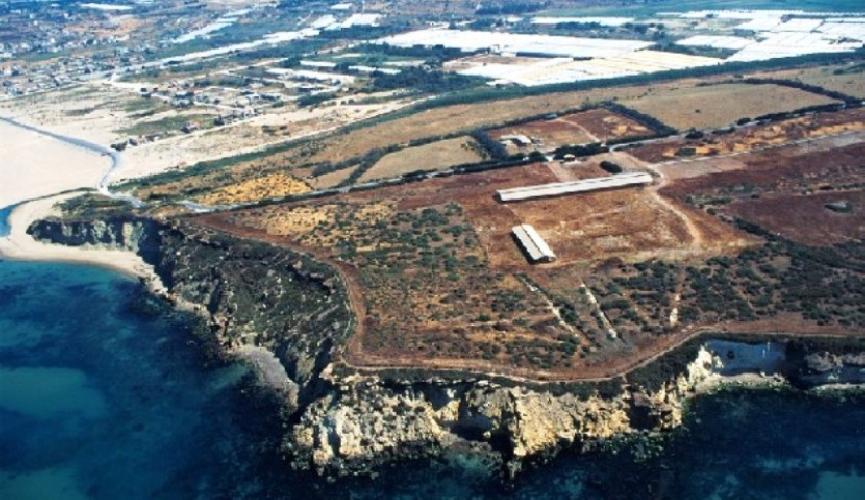 https://www.ragusanews.com//immagini_articoli/09-08-2017/4milioni-900mila-euro-parco-archeologico-camarina-500.jpg