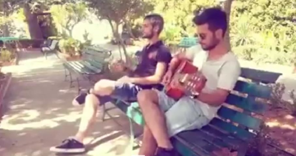 https://www.ragusanews.com//immagini_articoli/09-08-2017/chiaramonte-canzone-omaggio-simone-lucifora-video-500.jpg