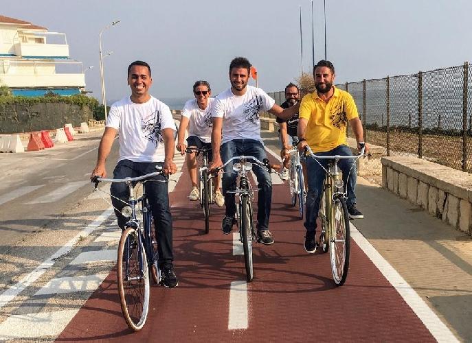 http://www.ragusanews.com//immagini_articoli/09-08-2017/dove-bellezza-bicicletta-500.jpg