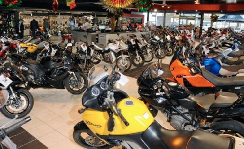 http://www.ragusanews.com//immagini_articoli/09-08-2017/moto-italia-continuano-crescere-vendite-500.png