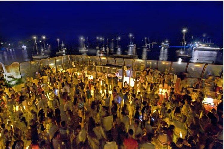 https://www.ragusanews.com//immagini_articoli/09-08-2018/panarea-raya-summer-fest-500.jpg