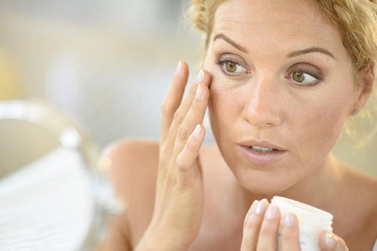 https://www.ragusanews.com//immagini_articoli/09-08-2018/prendersi-cura-pelle-delicata-500.jpg