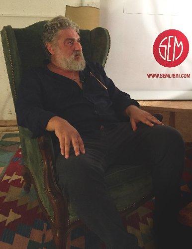 https://www.ragusanews.com//immagini_articoli/09-08-2018/sicilian-comedi-ottavio-cappellani-500.jpg