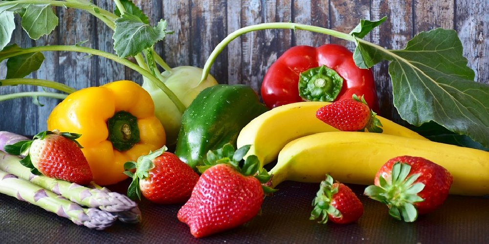 https://www.ragusanews.com//immagini_articoli/09-08-2019/dieta-che-protegge-il-cuore-gli-alimenti-indispensabili-500.jpg