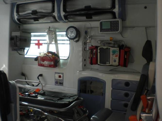 https://www.ragusanews.com//immagini_articoli/09-09-2013/a-comiso-lambulanza-medicalizzata-500.jpg