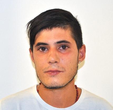 http://www.ragusanews.com//immagini_articoli/09-09-2016/il-ladro-dell-ospedale-maggiore-di-modica-arrestato-michele-emmolo-420.jpg