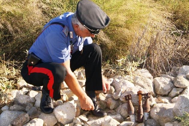 http://www.ragusanews.com//immagini_articoli/09-09-2016/ordigni-della-seconda-guerra-mondiale-ritrovati-a-chiaramonte-420.jpg