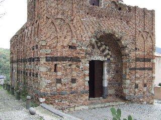 https://www.ragusanews.com//immagini_articoli/09-09-2019/taormina-apre-un-centro-culturale-240.jpg