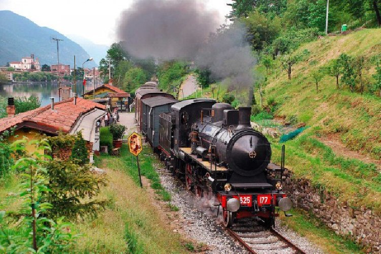 https://www.ragusanews.com//immagini_articoli/09-09-2019/treni-storici-gusto-fiumara-darte-foto-500.jpg