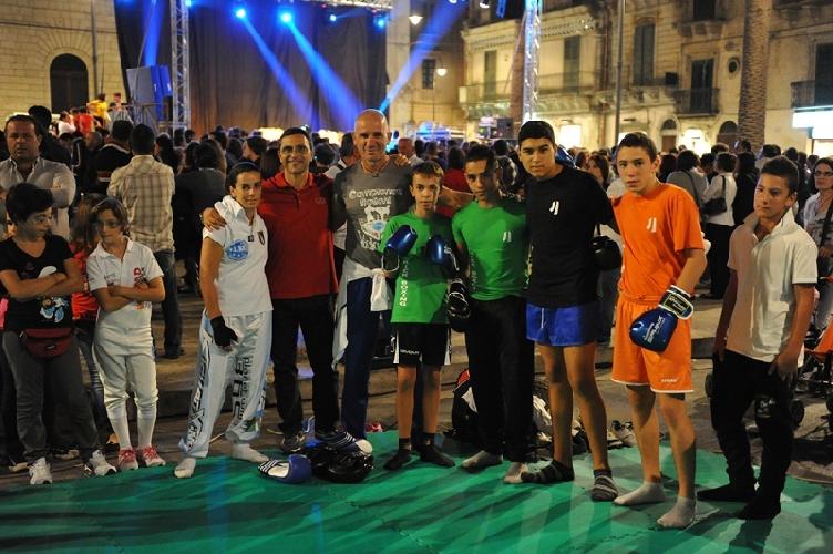 https://www.ragusanews.com//immagini_articoli/09-10-2012/a-modica-sono-in-vena-di-sport-500.jpg