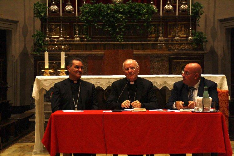 https://www.ragusanews.com//immagini_articoli/09-10-2018/monsignor-galantino-assemblea-diocesana-500.jpg