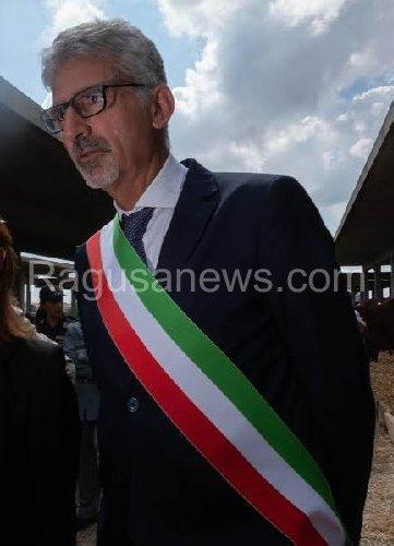 https://www.ragusanews.com//immagini_articoli/09-10-2019/inchiesta-su-impianti-sportivi-sindaco-cassi-io-interrogato-500.jpg