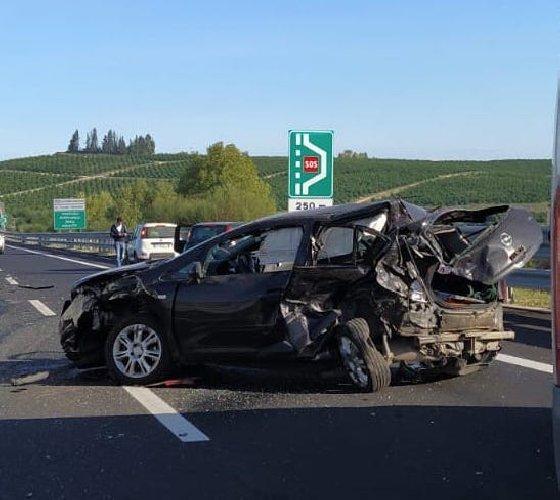 https://www.ragusanews.com//immagini_articoli/09-10-2020/incidente-con-quattro-feriti-sulla-siracusa-catania-500.jpg
