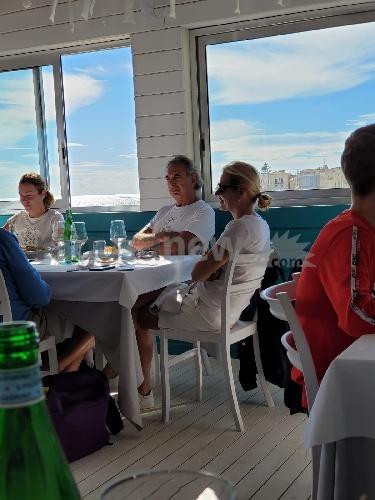 https://www.ragusanews.com//immagini_articoli/09-10-2021/l-attrice-stefania-rocca-torna-in-vacanza-a-scicli-500.jpg