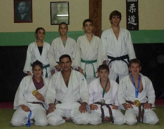 https://www.ragusanews.com//immagini_articoli/09-11-2011/la-koizumi-scicli-fa-incetta-di-medaglie-500.jpg