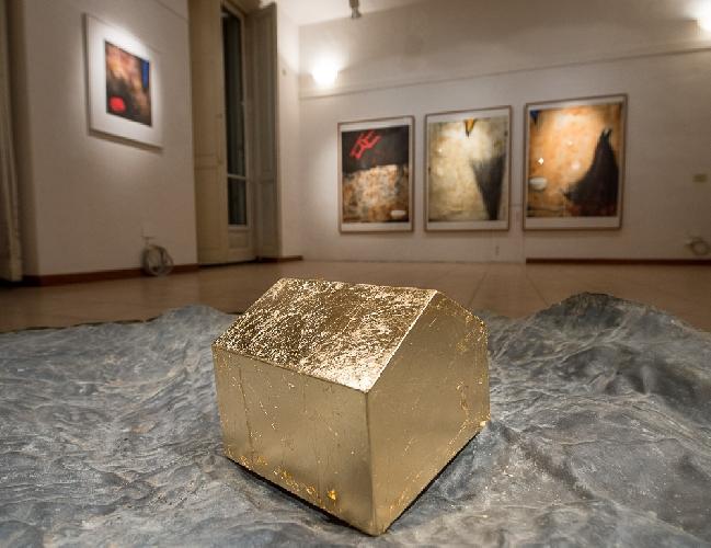 https://www.ragusanews.com//immagini_articoli/09-11-2012/inaugurata-la-mostra-di-bracchitta-a-rivarolo-canavese-500.jpg