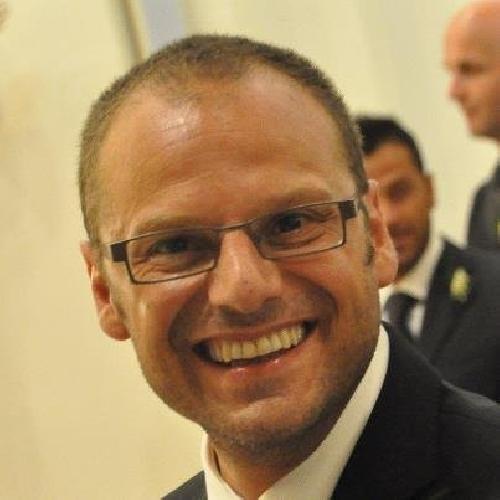 https://www.ragusanews.com//immagini_articoli/09-11-2015/i-nomi-dei-candidati-alla-presidenza-della-ex-provincia-di-ragusa-500.jpg