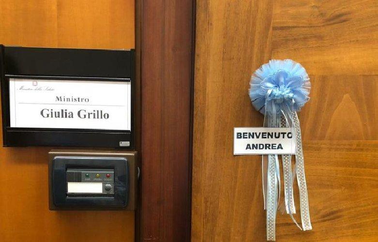 https://www.ragusanews.com//immagini_articoli/09-11-2018/ministro-giulia-grillo-diventata-mamma-500.jpg