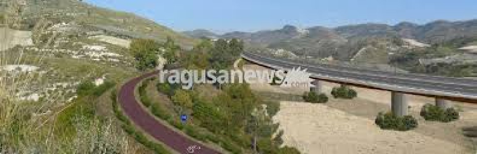 https://www.ragusanews.com//immagini_articoli/09-11-2018/stop-ragusa-catania-500.jpg
