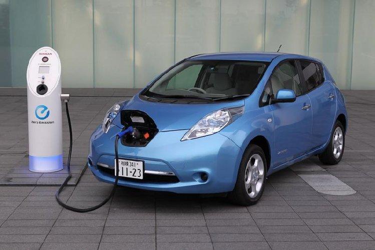 https://www.ragusanews.com//immagini_articoli/09-11-2018/ufficio-ecologia-comune-ragusa-affitta-auto-elettrica-500.jpg