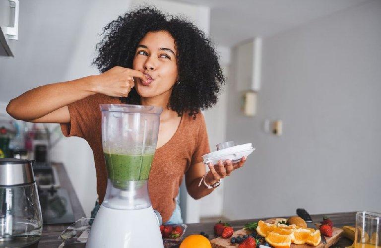 https://www.ragusanews.com//immagini_articoli/09-11-2020/dieta-liquida-come-funziona-e-esempio-di-menu-tipo-500.jpg